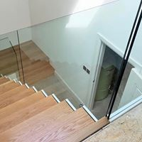 glass sided stairs